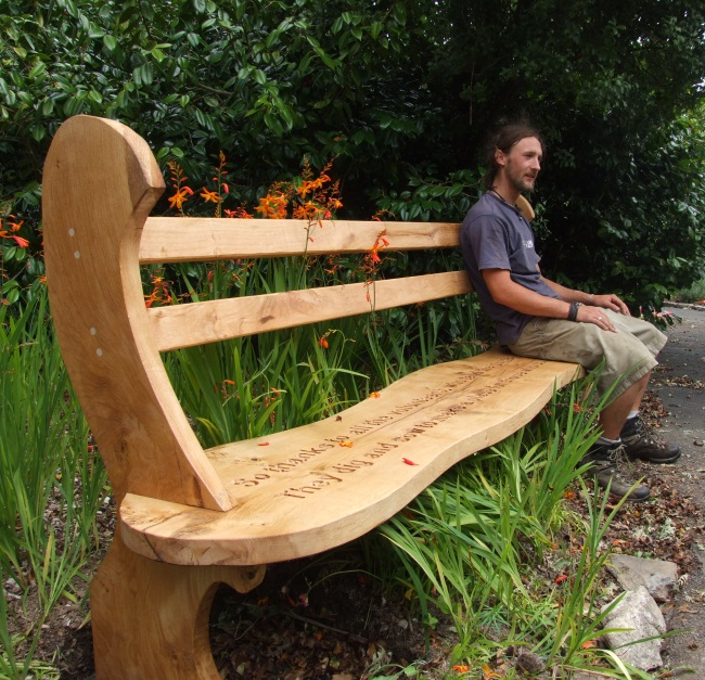 Memorials : Memorial Benches and Chairs : Memorial Wavy Oak Bench