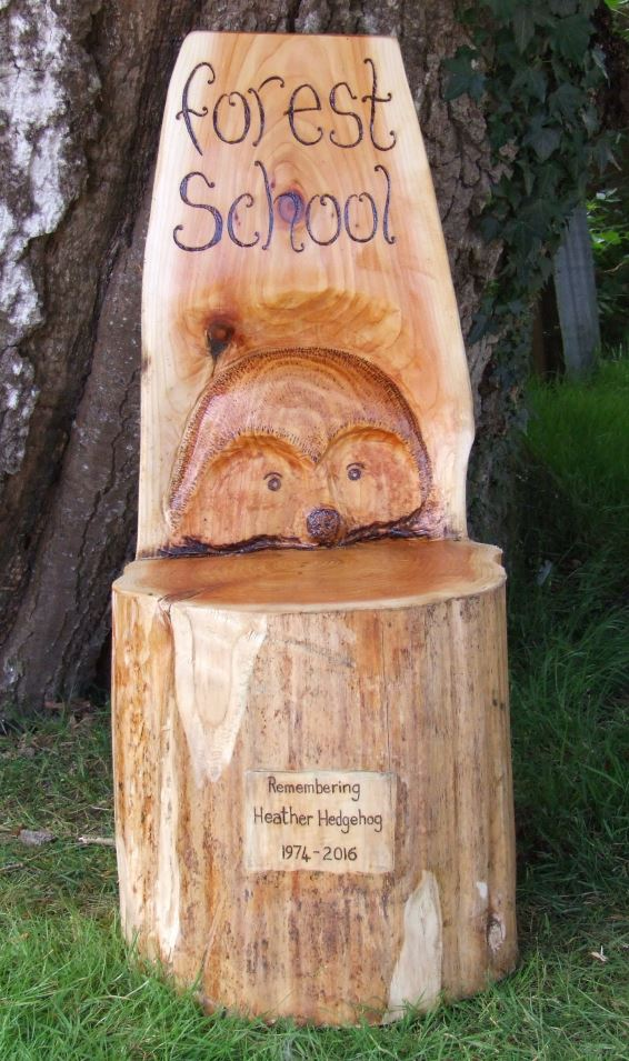 Schools/Playtime : Story Telling Chairs : Storytelling Log with Hedgehog  Design
