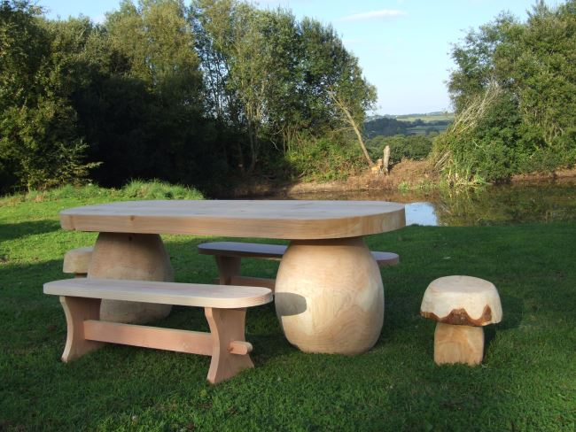 Garden Sculpture : Outdoor Seating / Tables : Outdoor Dining Mushroom Table and Seat Set