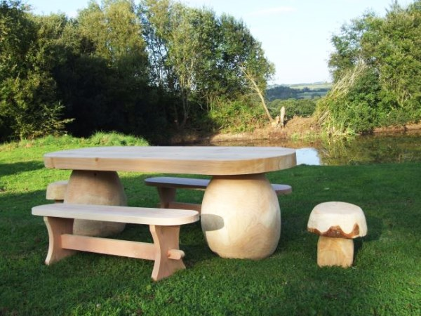 Outdoor Dining Mushroom Table and Seat Set