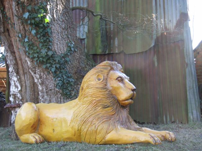 Memorials : Wooden Memorial Carvings : Wooden Animal Memorials