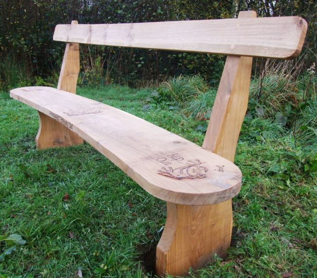 Memorials : Memorial Benches and Chairs : Memoral Curved Rail Back Oak Bench