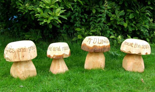 Memorials : Wooden Memorial Carvings : Memorial Mushrooms