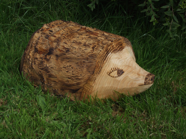 garden sculpture wooden animals ornamental hedgehog - Garden Animals